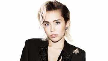 Miley Cyrus Temukan Jati Diri Album Terbarunya, `Plastic Hearts`